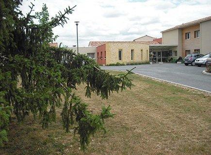 Centre Médicalisé de Lolme - 24540 - Lolme (1)