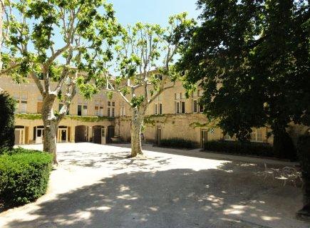 Colisée - Clinique du Château de Florans - 13640 - La Roque-d'Anthéron (1)