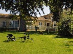 Etablissement d'Hébergement pour Personnes Agées Dépendantes - 86350 - Payroux - EHPAD Résidence les Cèdres